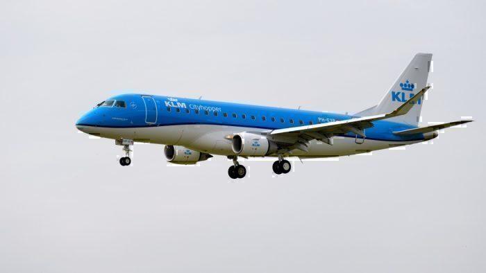 KLM E190 landing in Amsterdam