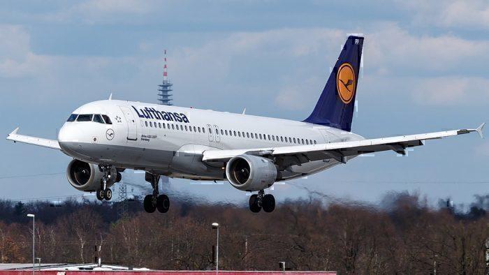 1024px-D-AIPP_Lufthansa_A320_(40342763075)