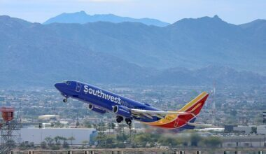 024px-Southwest_Airlines_-_Boeing_737-8H4_(N8686A)_-_Quintin_Soloviev