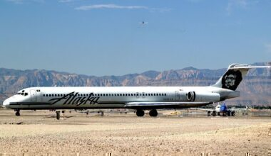 1200px-Alaska_Airlines_McDonnell_Douglas_MD-83_N958AS