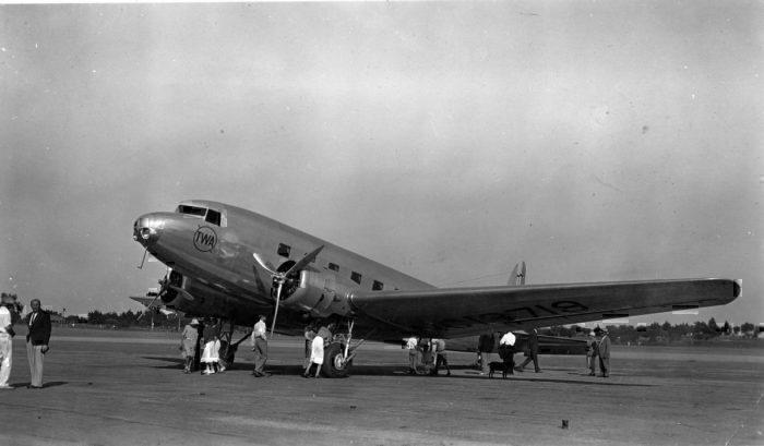 A Douglas DC-2