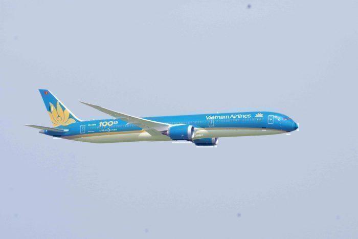 Vietnam Airlines Boeing 787-10 Dreamliner