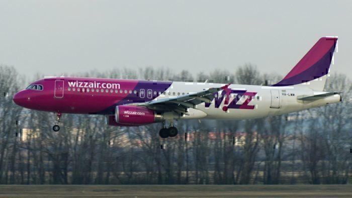 A Wizz Air Airbus A320-232