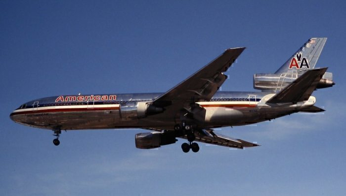 An American Airlines McDonnell Douglas DC-10