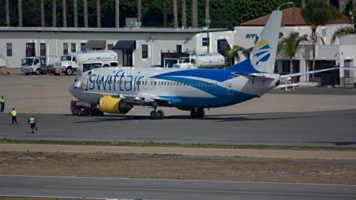 Swift Air Boeing 737-400
