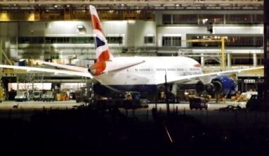 A British Airways 787 Dreamliner in its hanger