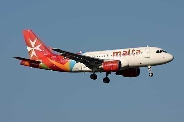Air_Malta_Airbus_A319-111_9H-AEL_(26637148782)