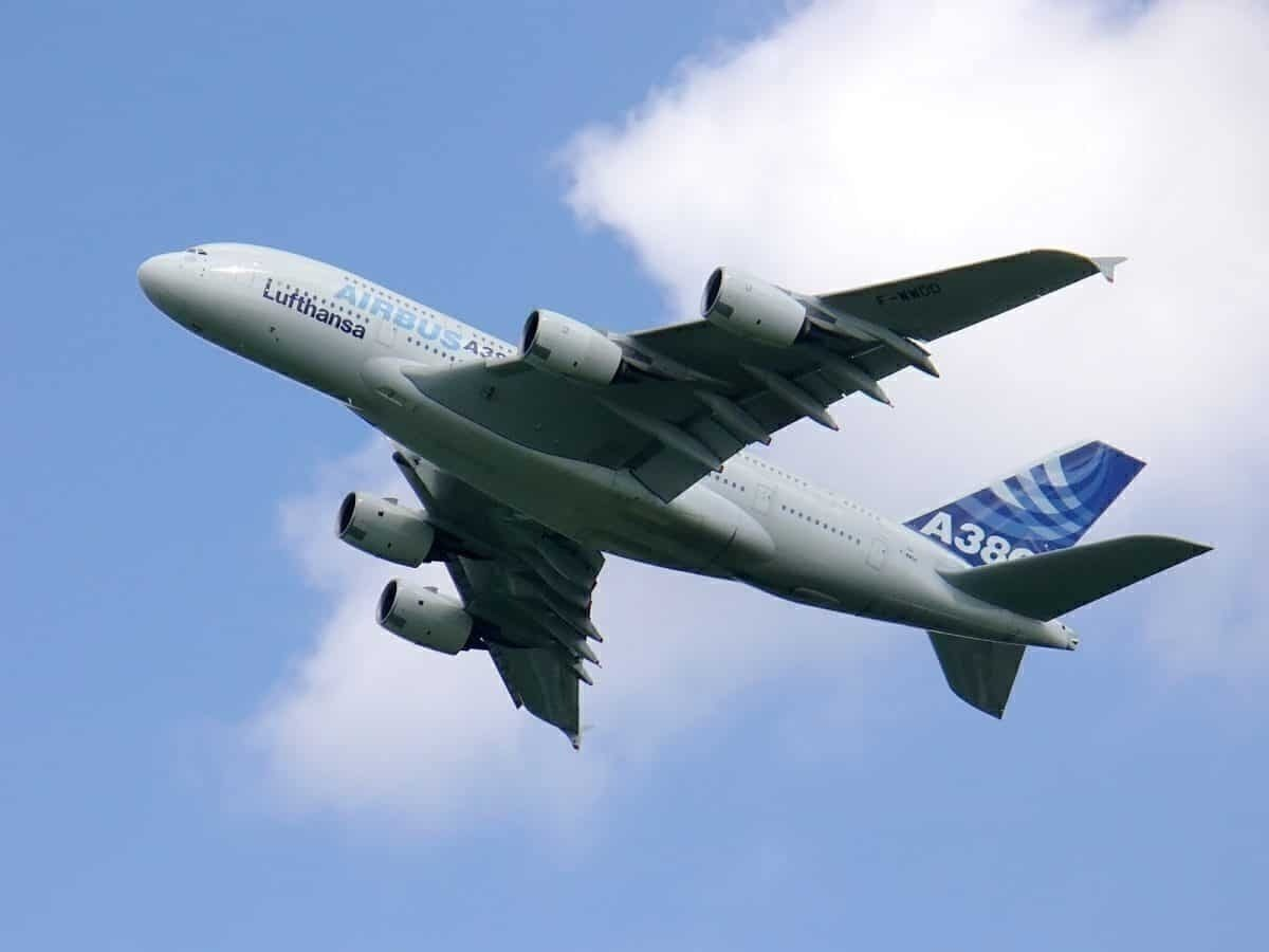 Why Airlines Are Ditching Four Engines In Favour Of Two Engines