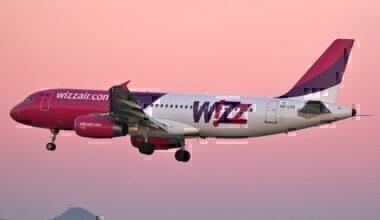 A Wizz Air Airbus A320
