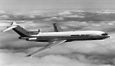 Boeing_727-200_N7270L_(P41816)