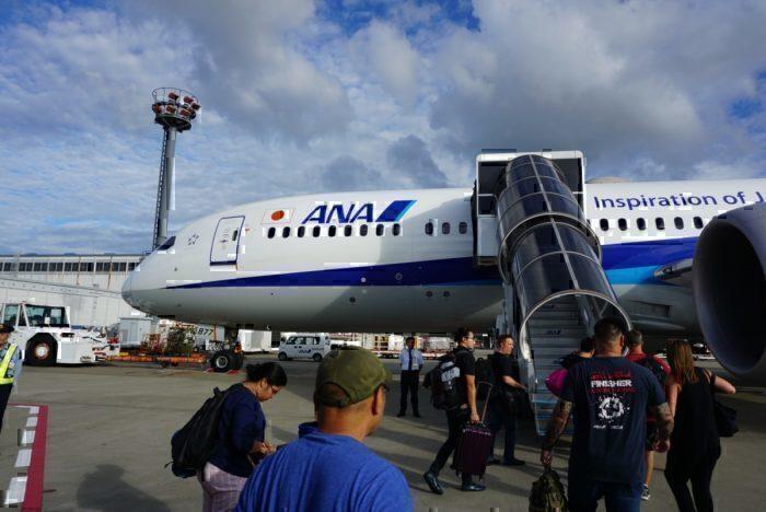Boarding the plane, 787 dreamliner