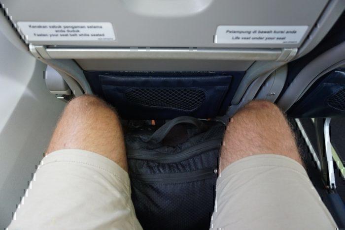 little leg room, cramped seat