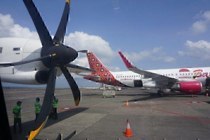 Wing view, Lion Air, Garuda Air