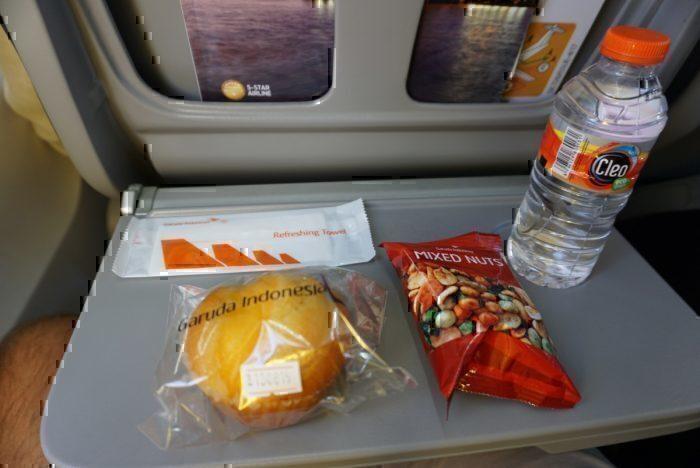 Inflight snack, meals