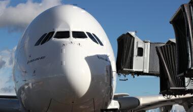 jet-bridges-emirates-getty
