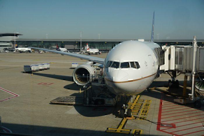United 777, United plane