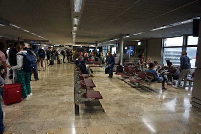 boarding line, boarding