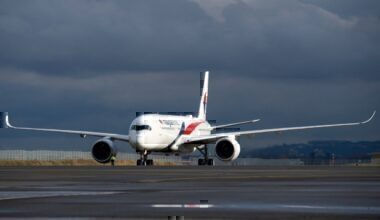 Malaysia-Airlines-takes-delivery-of-its-first-A350-XWB-aircraft-taxiing-02