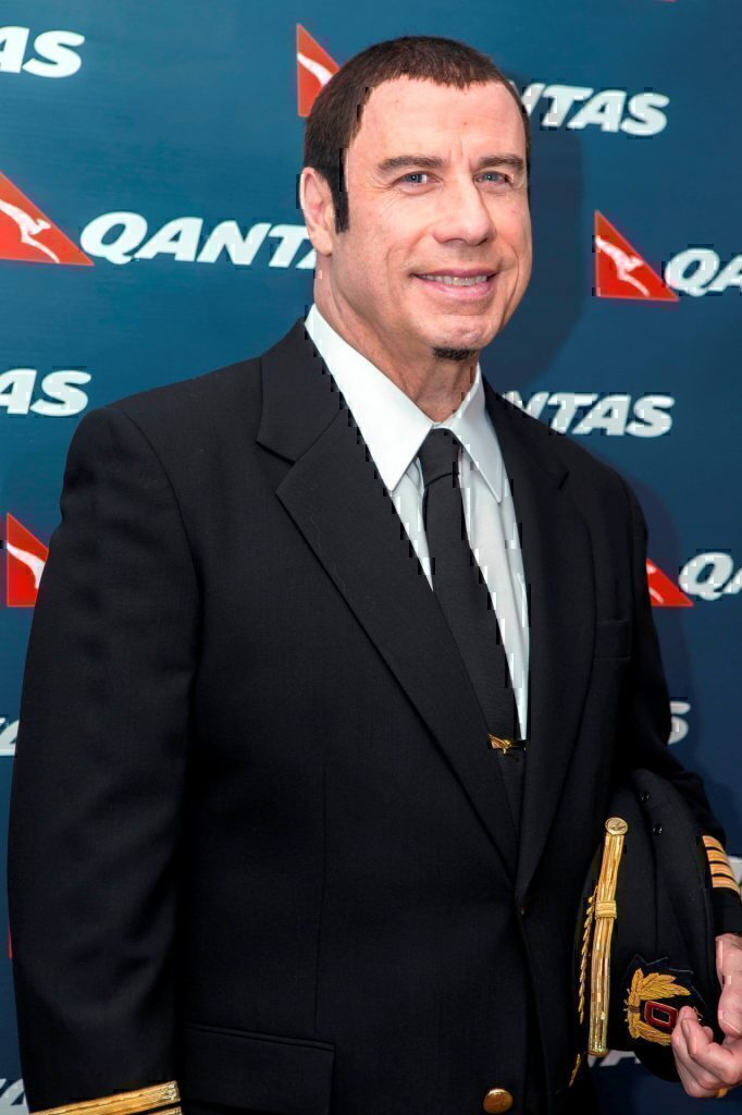john-travolta-boeing-707-delayed