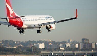qantas-boeing-737-cracks