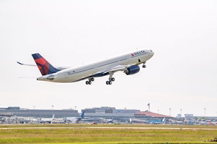 Delta Air Lines jet take-off