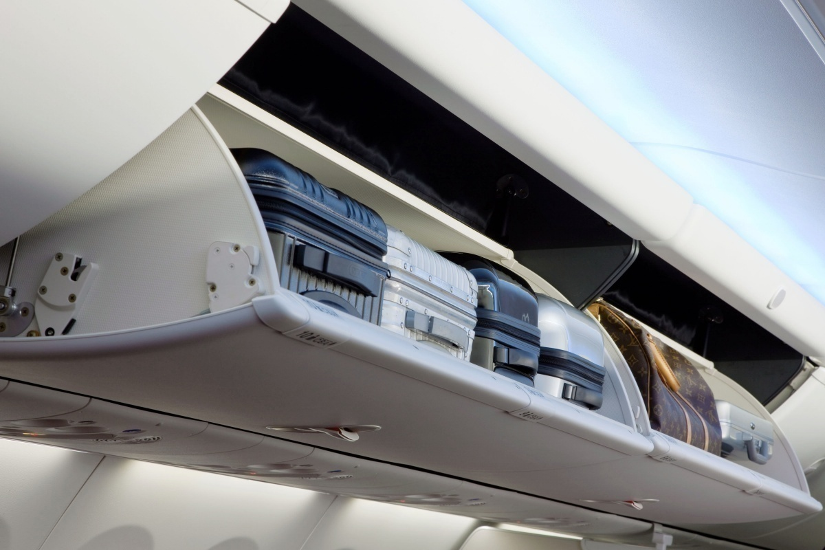 United Airlines Set To Retrofit Larger Overhead Storage Bins On Its Aircraft