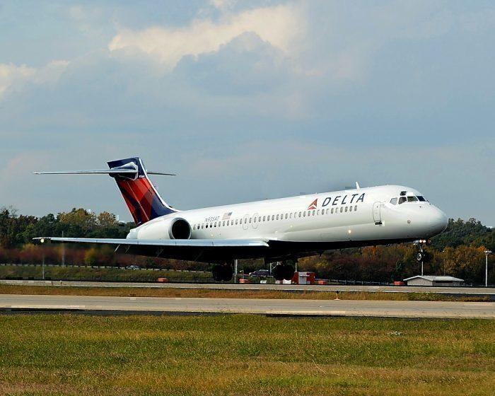 Delta 717 landing