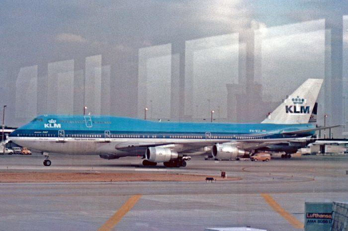 KLM B747SUD on apron