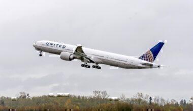 United jet take-off