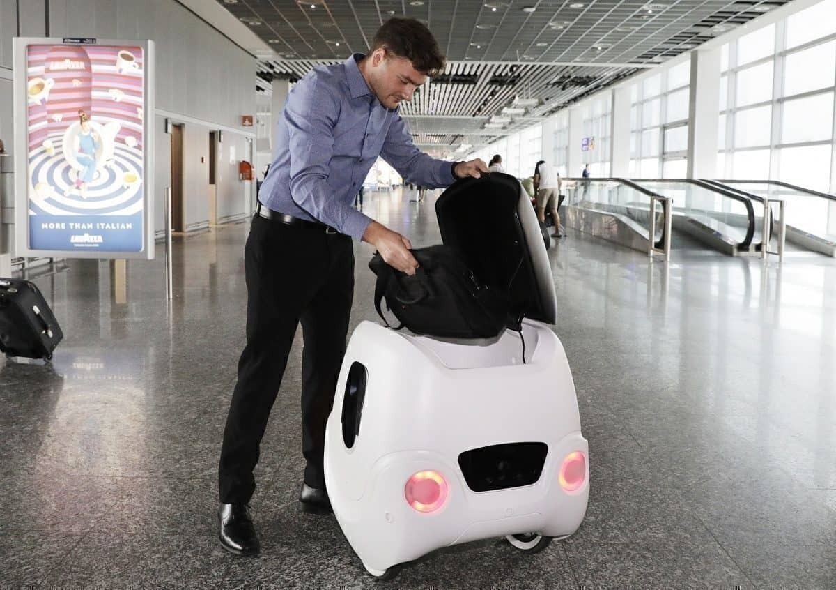 Estamos prontos para ver mais dispositivos de IA, como o YAPE, nos aeroportos na próxima década. Foto: Aeroporto de Frankfurt