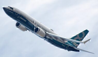 1200px-Boeing_737-8_MAX_N8704Q_rotated
