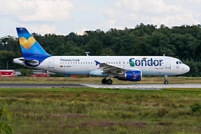 Condor Thomas Cook plane