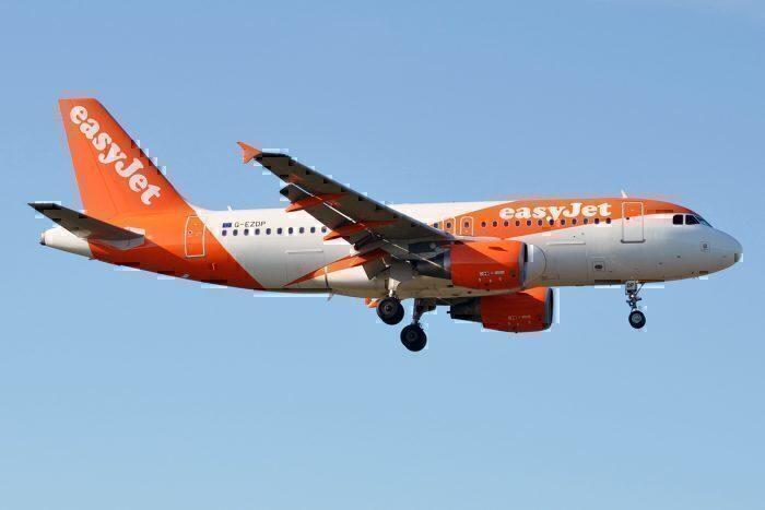 EasyJet, G-EZDP, Airbus A319-111