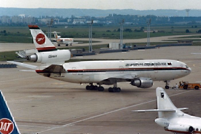 Biman Bangladesh Airlines McDonnell Douglas DC-10-30
