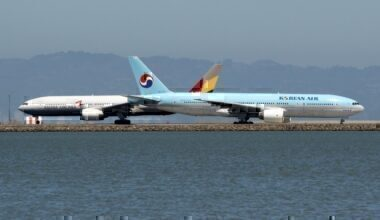 Asiana Airlines HL7756 Boeing 777-28E(ER) & Korean Air Lines HL7714 Boeing 777-2B5(ER) heading to Incheon Int'l