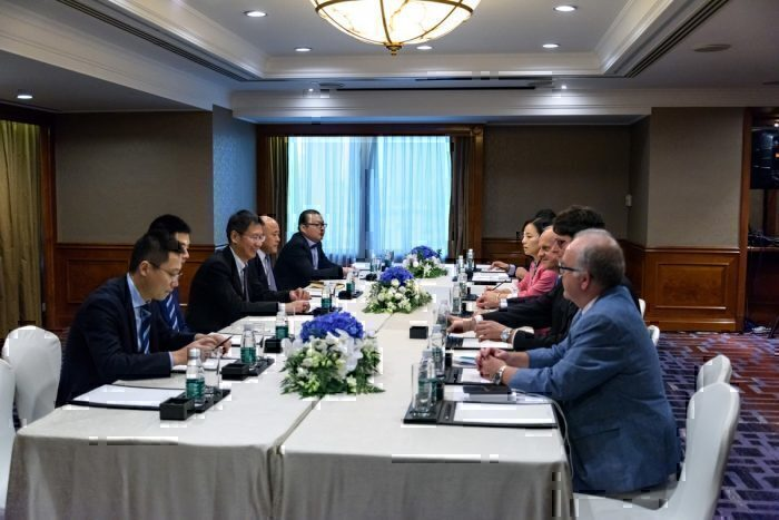 Juneyao Air and Greece signing the deal