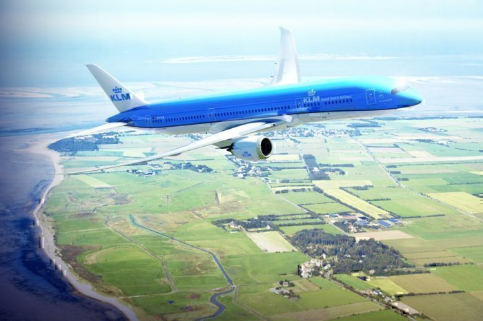 KLM Boeing 737 over Dutch coast