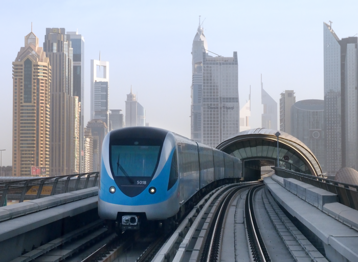 Dubai Metro, Emirates, London