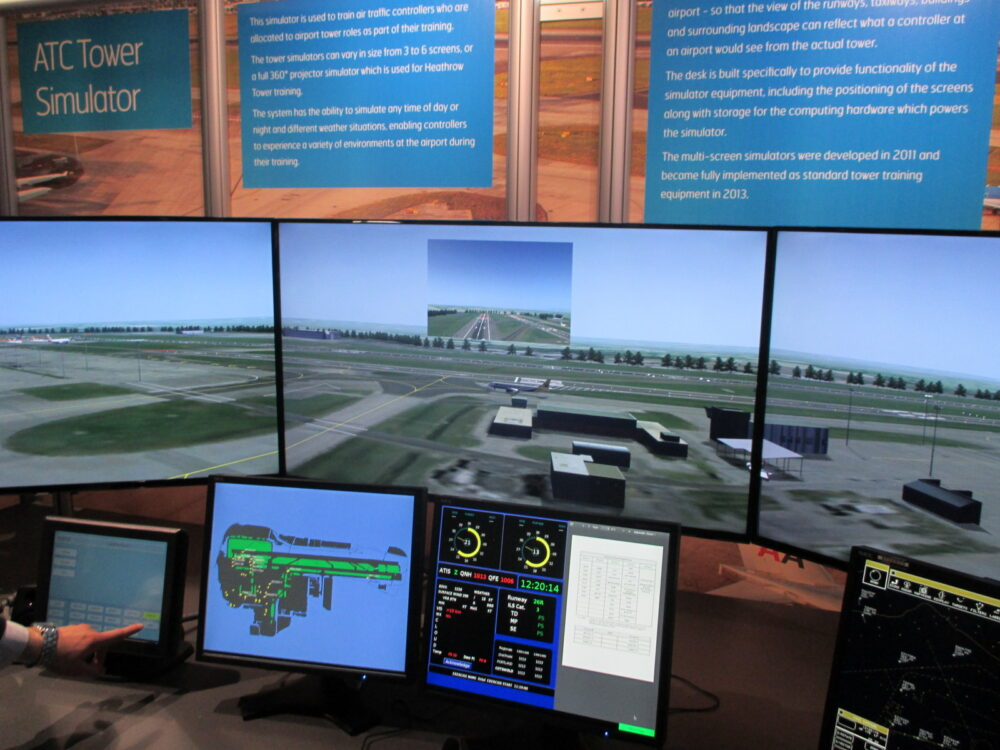 Air-Traffic-Control-Simulator-also-showing-incoming-pilot's-view