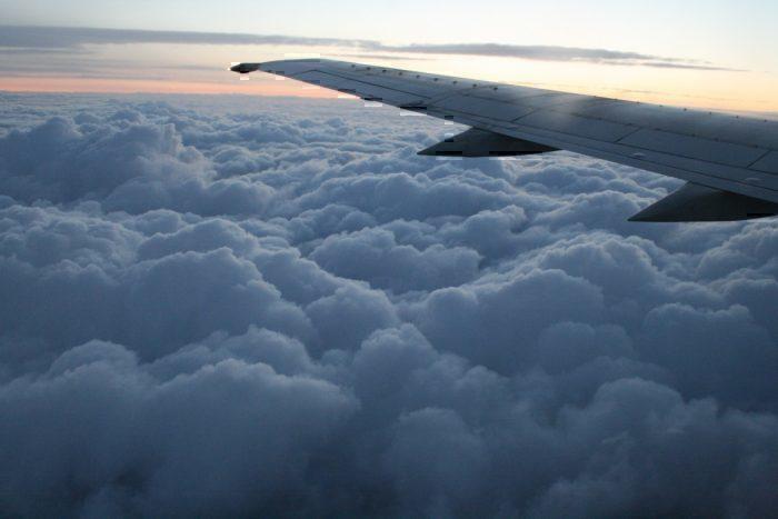 airliner lightning