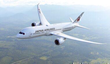 Japan Airlines (JAL) Boeing 787-8 Dreamliner