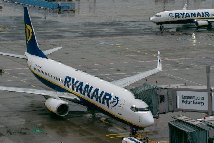 easyJet, Ryanair, Brussels Airport