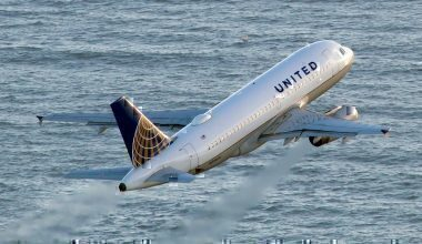 United_Airlines_Airbus_A319-131_JP8113461