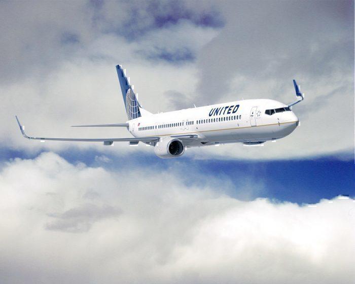 United jet in flight