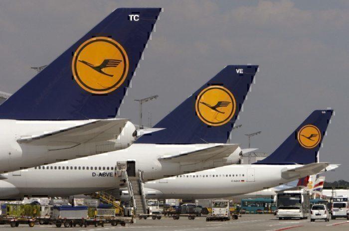 Lufthansa aircraft tails