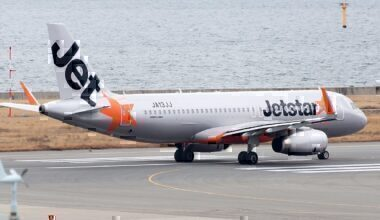 1200px-Jetstar_Japan,_A320-200,_JA13JJ_(24814816512)