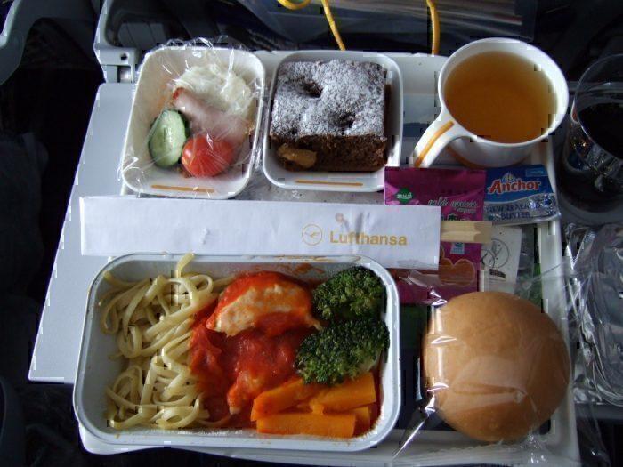 Example of Lufthansa plane food