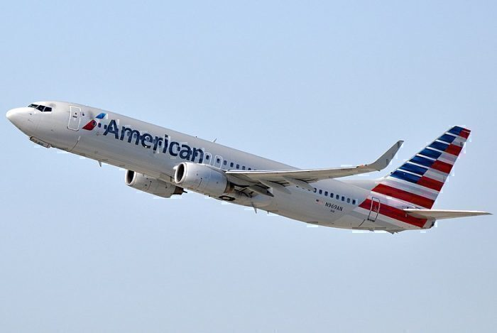 800px-American_Airlines,_Boeing_737-823(WL),_N969AN_-_LAX_(22300501588)