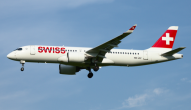 800px-Swiss_International_Airlines_Bombardier_CSeries_CS300_HB-JCF_