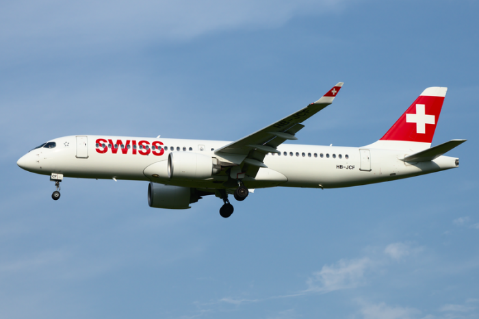 800px-Swiss_International_Airlines_Bombardier_CSeries_CS300_HB-JCF_